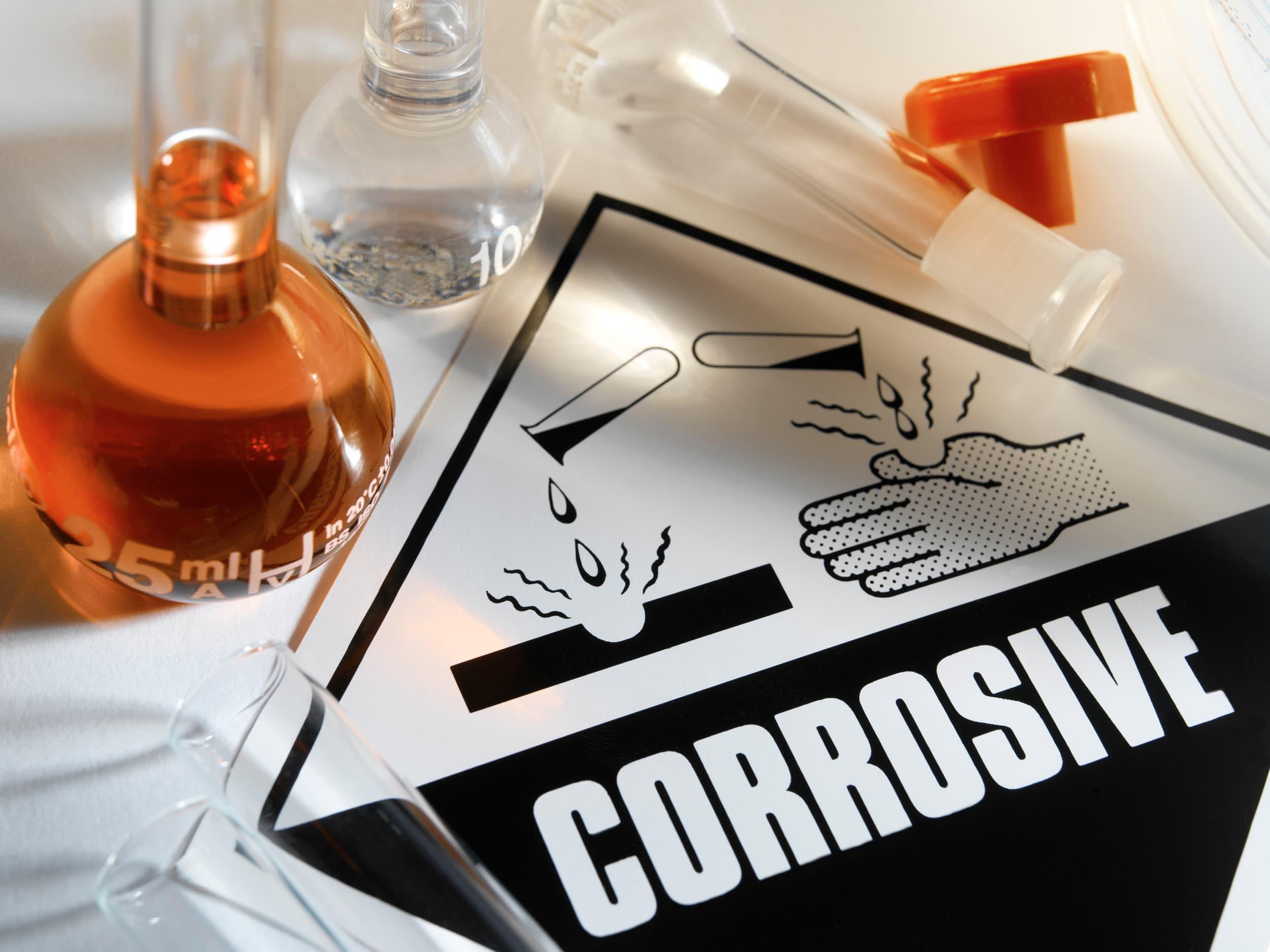 Compliance Training Online IATA DGR Class 8 Corrosives course
