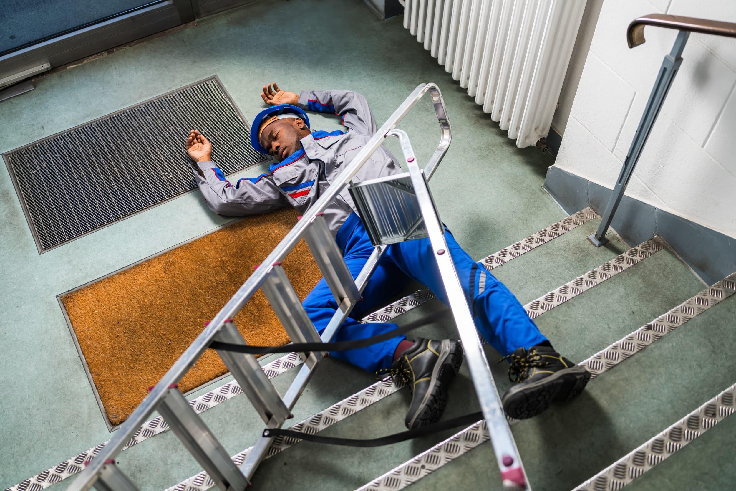 Compliance Training Online Ladder & Stairway Safety course