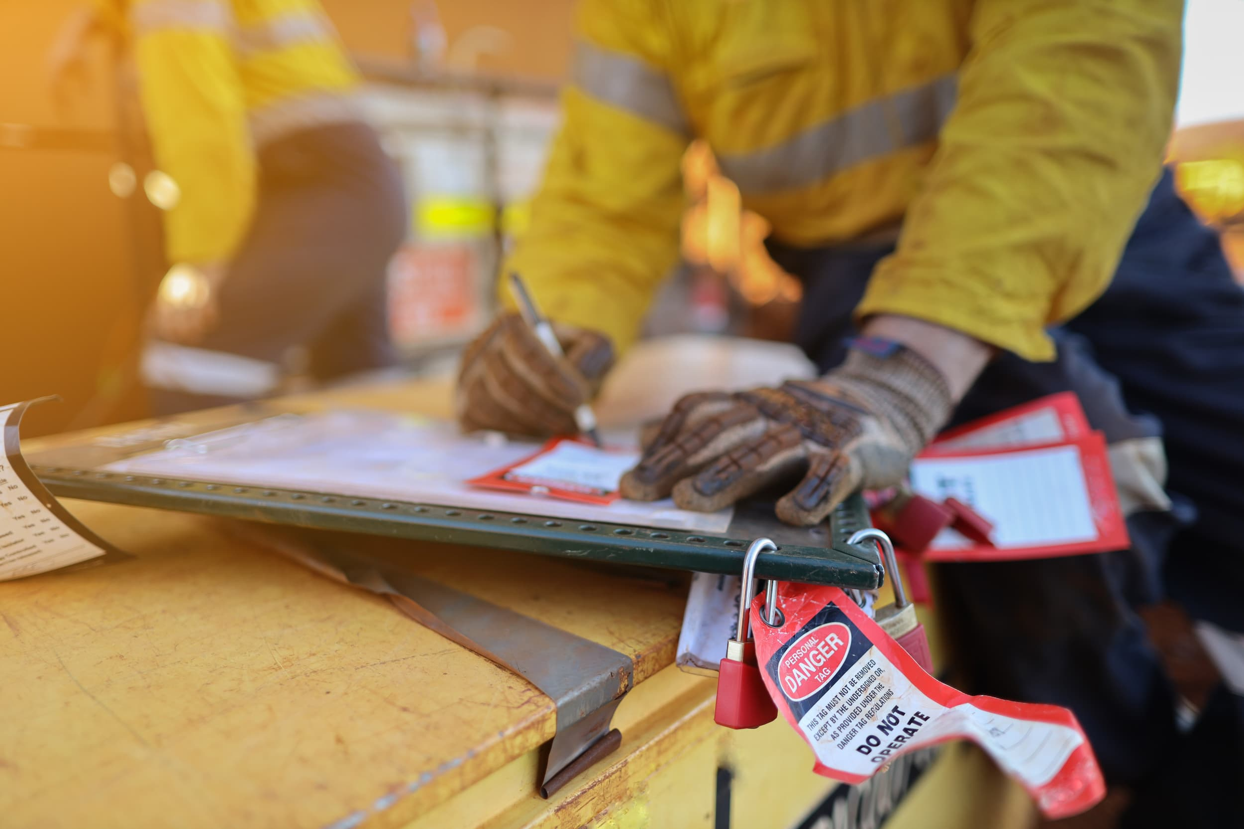 Compliance Training Online Construction Lockout Tagout course